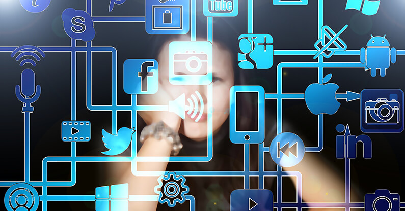 Unternehmer zahlen 1/3 der Arbeitszeit umsonst! So beschränken Sie Facebook & Co. am Arbeitsplatz