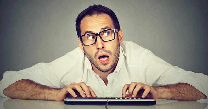 Zu leicht für Hacker: 8 von 10 Mitarbeiter machen im Umgang mit Passwörtern einen dieser 3 Fehler