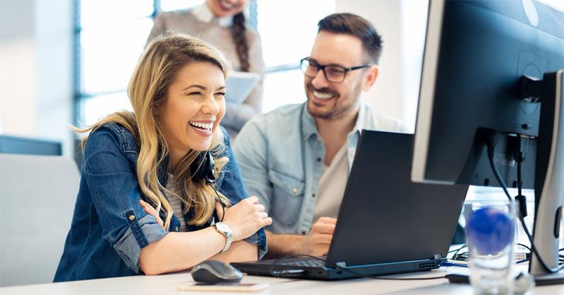 Firmenarbeitsplatz-Checkliste: Mit diesen Tipps sparen Sie Zeit und Geld bei der Einrichtung